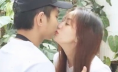 Khánh Thi lộ diện cùng Phan Hiển sau livestream khóc lóc, đôi mắt sưng húp gây chú ý