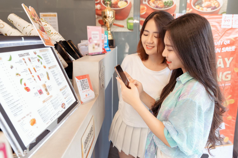 Đây là lý do giới trẻ Việt đổ xô thanh toán bằng QR code và tranh suất nhận xe Honda Vision siêu HOT, bắt trend ngay kẻo lỡ!